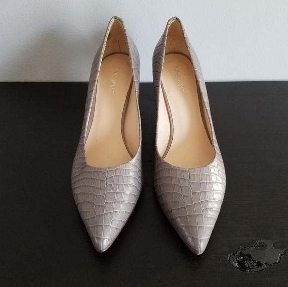 9bc1270593f Nine West leather gray snakeskin heels size 8.5